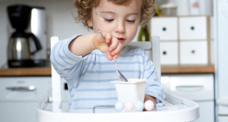 Tu bebé podría ser capaz de disfrutar del yogur incluso si es intolerante a la lactosa.