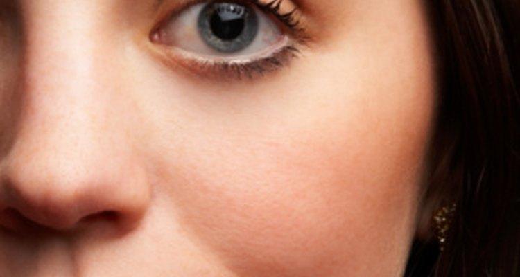 El adormecimiento en el lado izquierdo de la mejilla podría ser un problema médico grave.