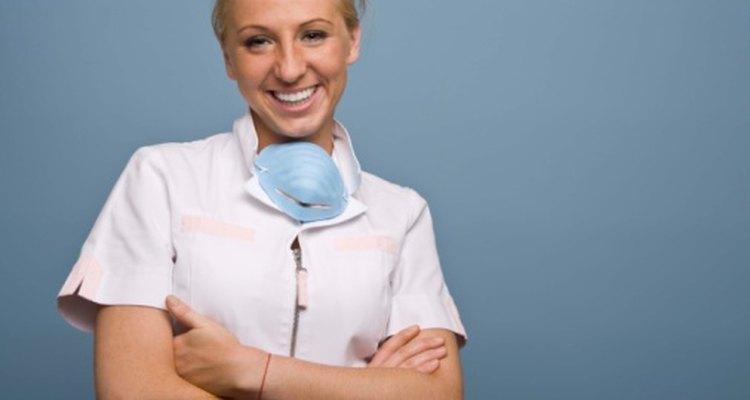 Llama a tu dentista si el sabor salado viene acompañado por fiebre o dolor excesivo.