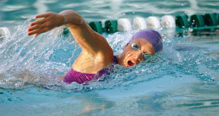 Las vueltas de natación son un tipo un entrenamiento vigoroso sin impacto alguno.