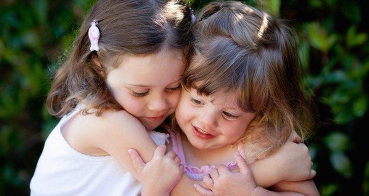 Sentirse digno de ser amado es un aspecto importante de la autoestima de un preescolar.