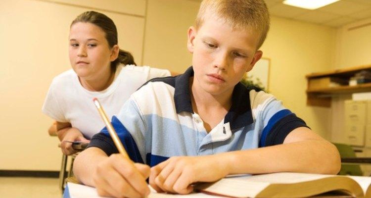Enséñales a los niños sobre los buenos valores morales de modo que puedan tomas buenas decisiones.