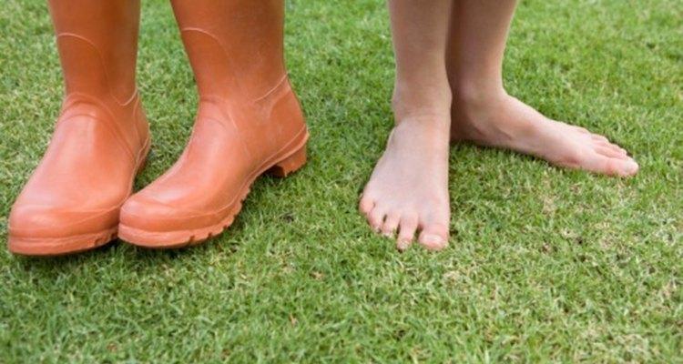 Reconoce las causas probables de las manchas oscuras debajo de tu pie para asegurar tu bienestar.