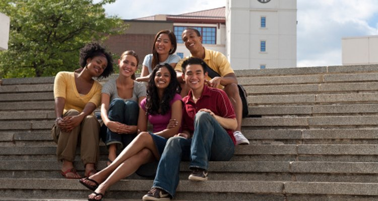 Las interacciones positivas con sus pares pueden ayudar a los estudiantes de bajo rendimiento.