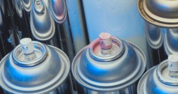 El aerosol de aire comprimido contiene óxido nitroso, que también se encuentra entre los compuestos del gas hilarante.