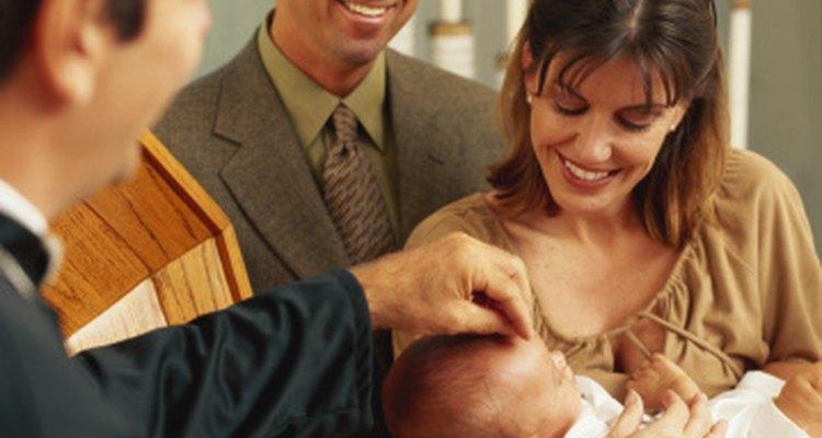 La ceremonia de bautizo o bautismo es un gran compromiso para los padres y miembros de la familia.