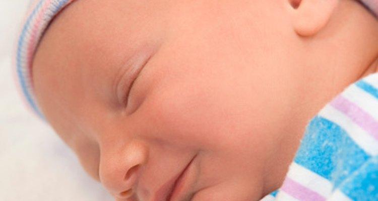 Un bebé envuelto puede sentirse calmado.
