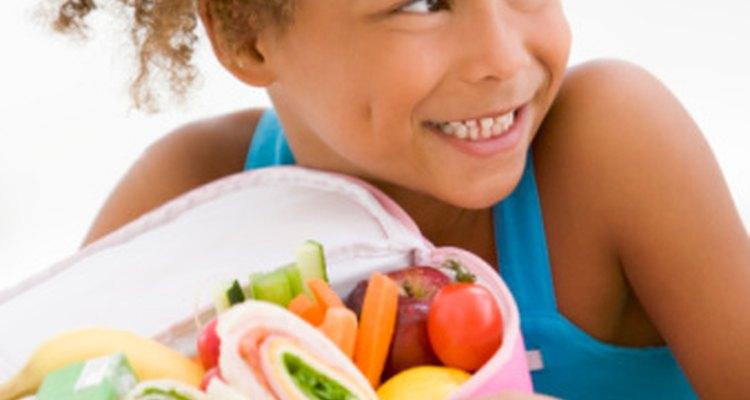Food for the Brain sugiere que invites a tu hijo cuando vayas de compras.