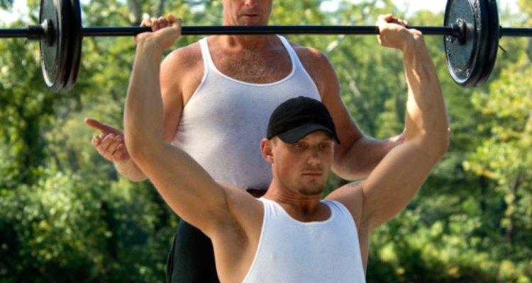 La tensión que se asocia a las sentadillas pesadas puede ejercer presión en el área anorectal y provocar o exacerbar las hemorroides.