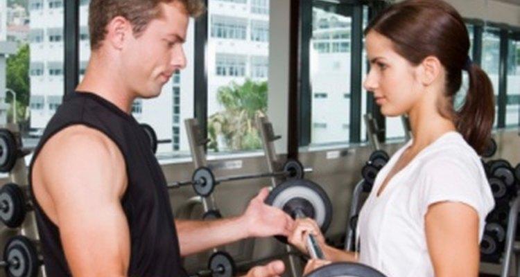 El dolor en el brazo puede ser debido a una distensión muscular, esguince o tendinitis del ligamento.