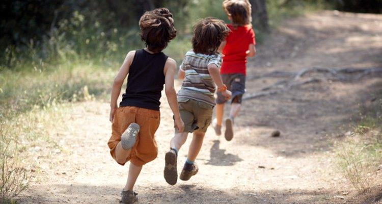 Reúne a un pequeño grupo de niños para correr juntos y entrenar para la maratón de 5 km.