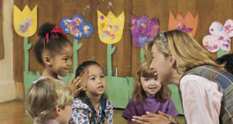 Los niños de preescolar comprenden los significados de los libros.