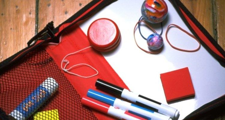 El producto de polímero sintético es una marca en el arsenal de suministros escolares de hoy en día.