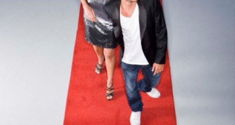 Camina por la alfombra roja en tu fiesta temática estilo Hollywood.