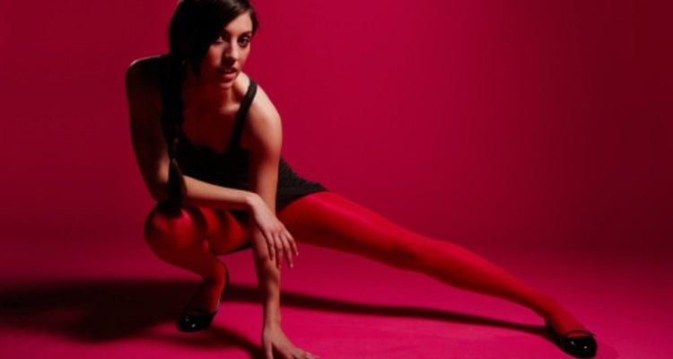 Una forma deficiente mientras haces sentadillas puede resultar en lesiones de rodilla.