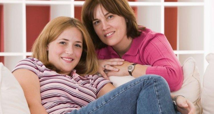 Prepara a tu hija preadolescente o adolescente para su primer período con discusiones abiertas y honestas.