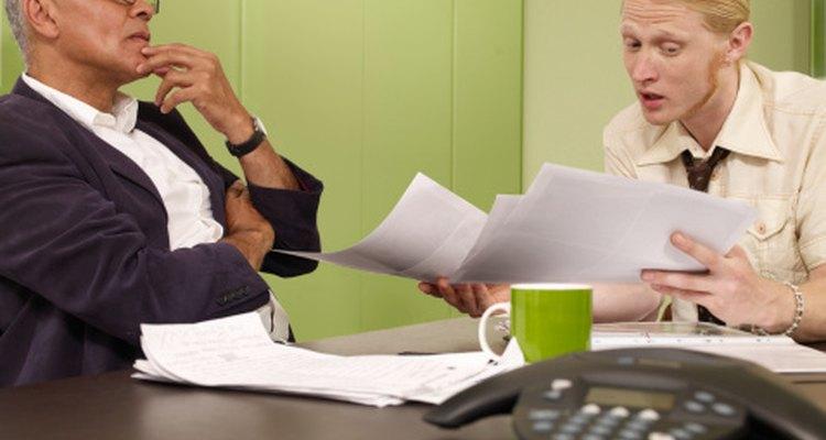 Los gerentes de negocios que tienen una personalidad autoritaria esperan mucho de su personal.