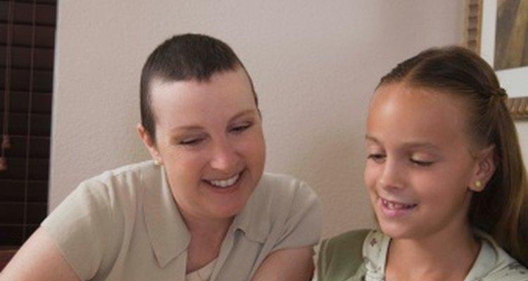 Ayuda a tus niños de la escuela dominical a hacer regalos para sus madres.