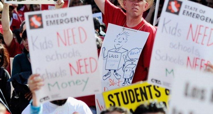Los cortes en el presupuesto estudiantil resultan en una directa pérdida de recursos y afectan a los estudiantes en riesgo de abandonar la escuela.