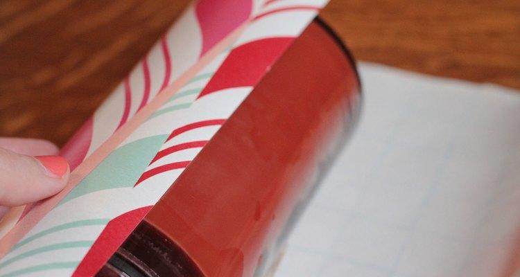 Enrole a outra borda do papel