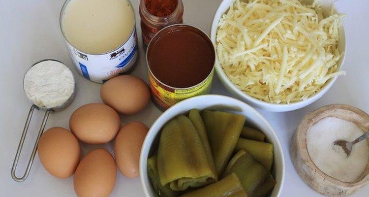 Reúne todos los ingredientes y prepárate para un plato fácil y delicioso.