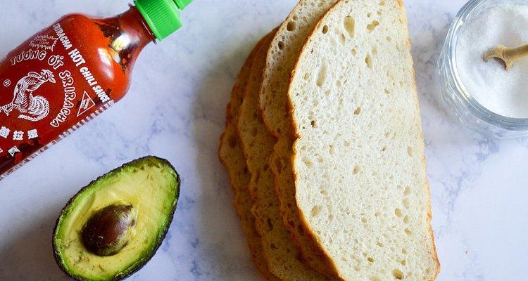 Reúne los ingredientes y prepara un desayuno simple y rico.