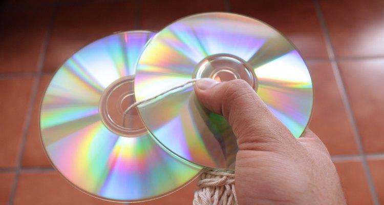 Los CD son brillantes y esto ahuyenta las palomas.