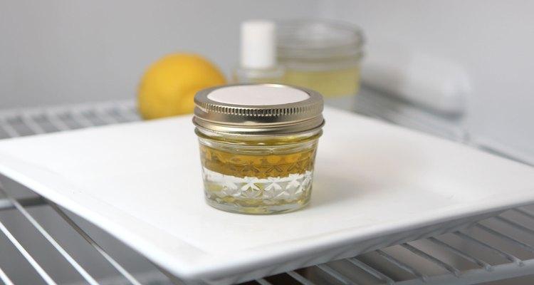 Haz un ungüento de aceite de oliva y aceite de abeja.