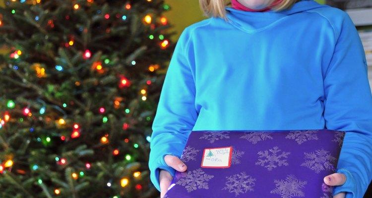 Faça um embrulho bonito para agradar o destinatário de seu presente