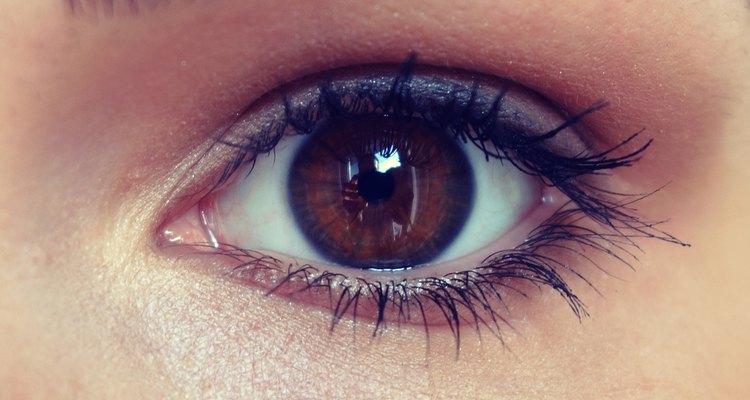 Realce os olhos com cores sutis