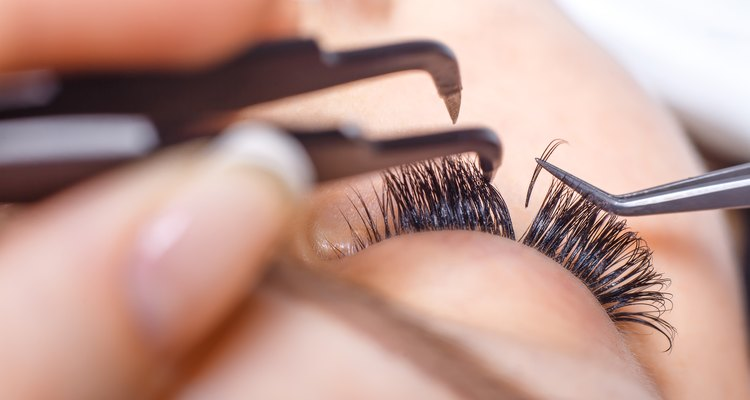 O rímel se torna uma ferramenta mais útil à medida que você envelhece
