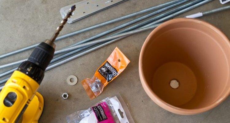 Estos son algunos de los materiales necesarios para crear el jardín vertical.