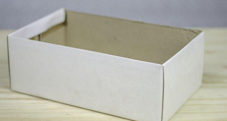 Posicione a caixa com a abertura virada para cima