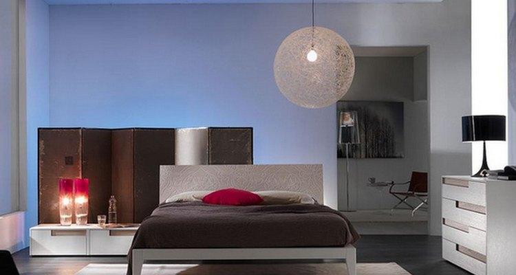 Brinque com a luz para embelezar o quarto