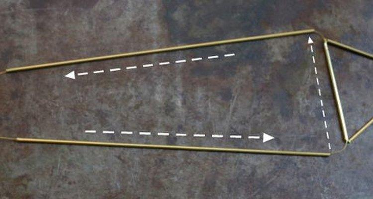 Añade los alambres largos a tu estrella.