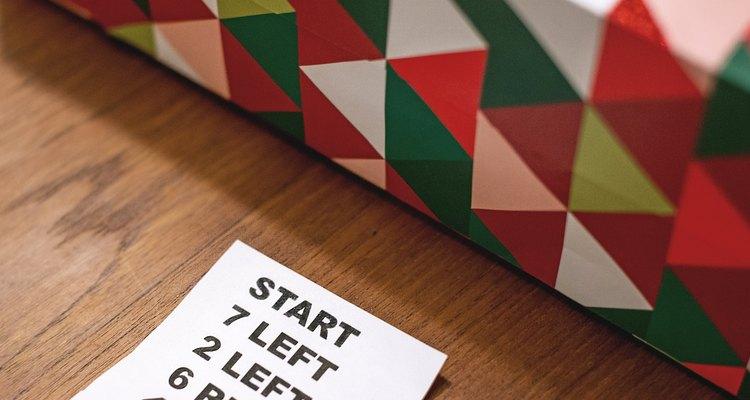 Al final de la lista, cada jugador abrirá el regalo que tiene en ese momento.