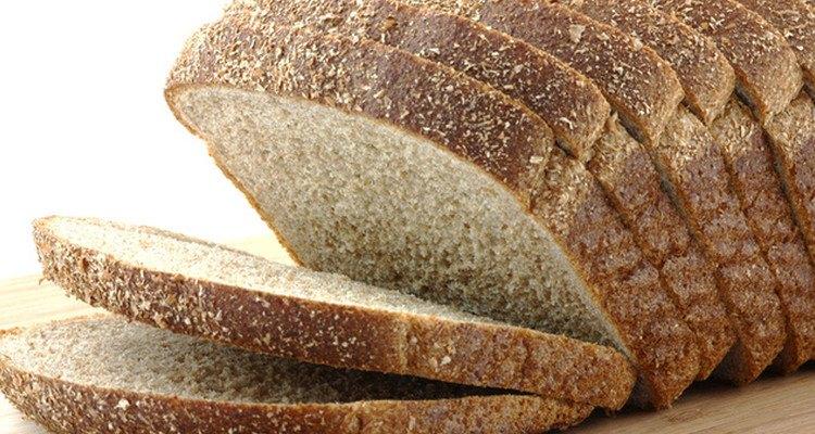 El pan tostado es ideal para acompañar cualquier plato.