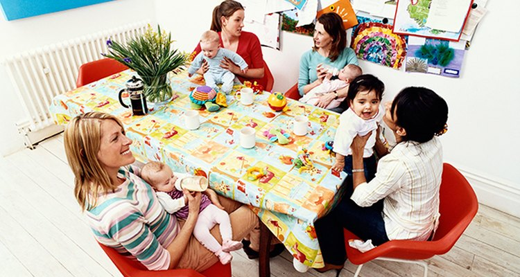 Las madres mayores pueden recibir consejos sabios de sus pares.