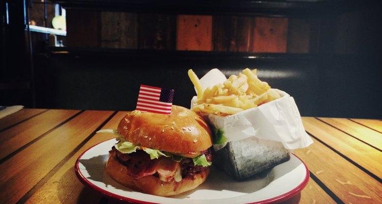 Hamburger Foundation es un restaurante suizo listo con hamburguesas al estilo norteamericano.