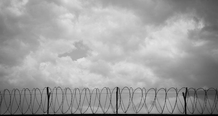 O encarceramento gera tráfico de mercadorias ilegais