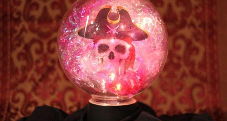 Cómo hacer una bola de cristal para Halloween.