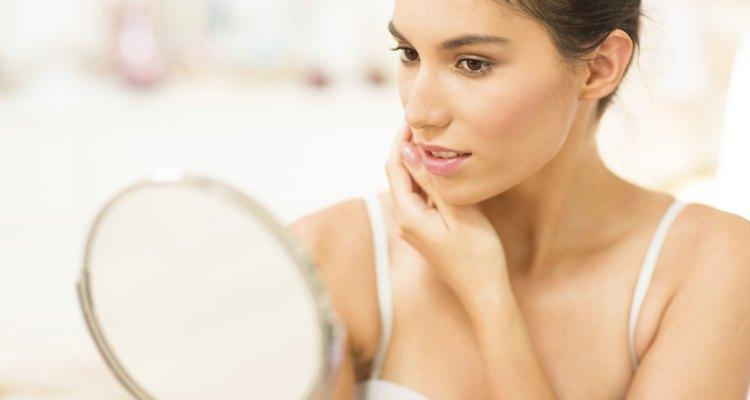 La vitamina E te ayudará a tener la piel tersa y suave como siempre soñaste.
