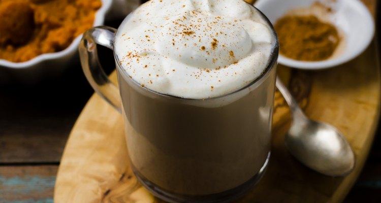 Disfruta de tu café especiado de calabaza.