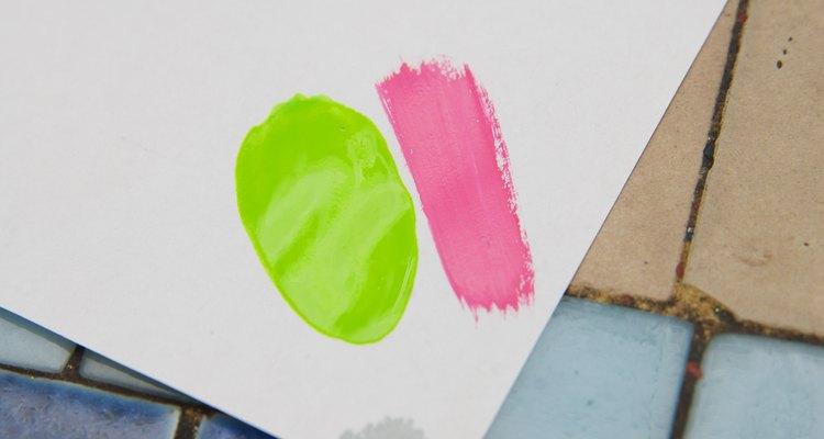Combina rosa con verde lima para una combinación suave.