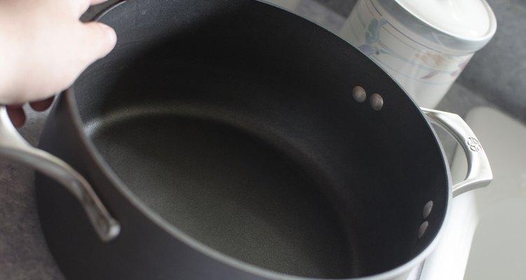 La cubierta antiadherente no debería usarse en el horno.