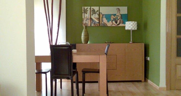 Siempre elige un color que combine con el mobiliario de tu casa.