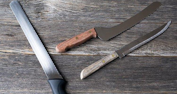 Un cuchillo serrado puede servirte para casi todas las tareas hogareñas.