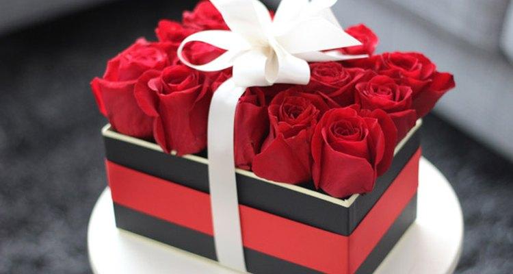 Un arreglo floral elegante es perfecto para el día de San Valentín.