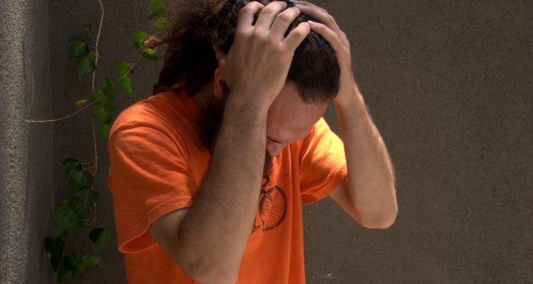 La tensión en el cuero cabelludo puede provocar dolores de cabeza y sensibilidad.