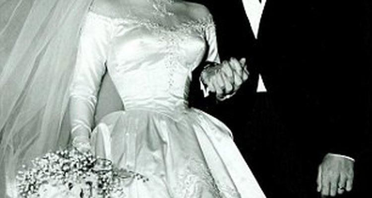 El vestido creado por Helen Rose buscaba resaltar la figura de la actriz
